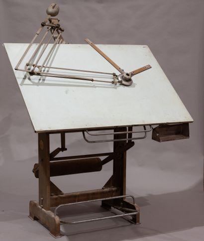 [HELIOLITHE] Table à dessin dite « d'architecte...