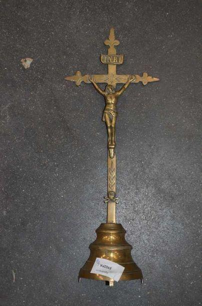 CRUCIFIX, Christ en bronze.mémoire