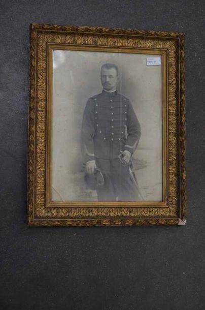 Photo de soldat, encadrée sous verre