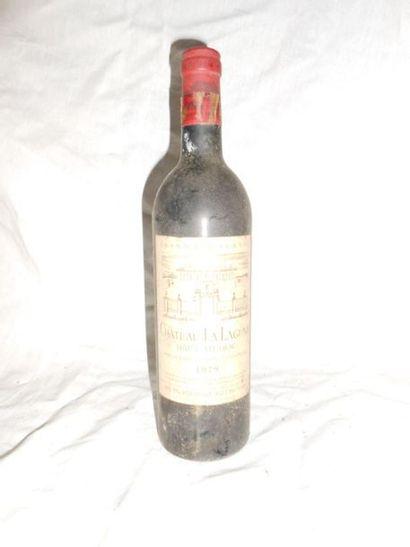 1 CHÂTEAU LA LAGUNE 1979 (Basse épaule)