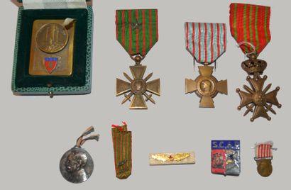 Lot de 4 décorations :