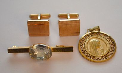 lot : medaille vierge plaqué or , paire de...