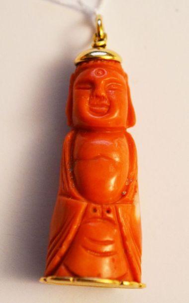 PENDENTIF en corail representant un Bouddha....