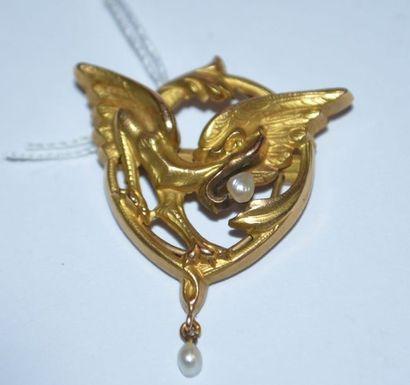 1 CLIP de foulard en or à décor d'un dragon...