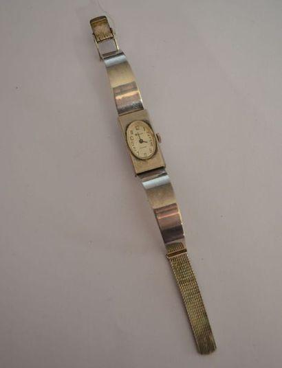MONTRE bracelet de dame SYSTEM en acier chromé....
