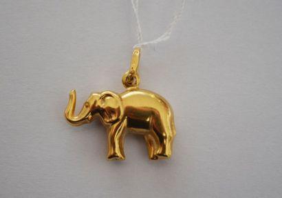 PENDENTIF éléphant en or. P: 2,3 g