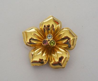 BROCHE-PENDENTIF fleur en or ornée en son...