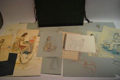 CARTON à dessin contenant un carnet de croquis...