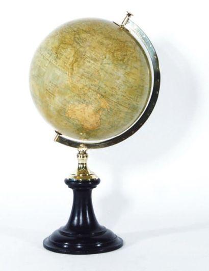 Globe terrestre. Montage par demiméridien...