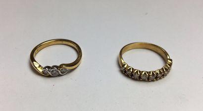 Alliance en or jaune 750 sertie de diamants...