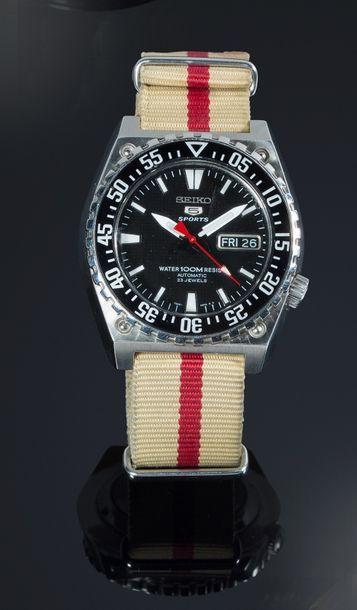 Seiko 5 Sport  Montre-bracelet, Mouvement...