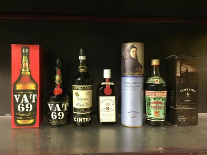7 bts d'alcool: VAT 69 scotch whisky (x2),...