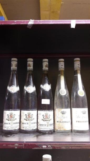 2 bts Liqueur de framboise Adrian Freres,...