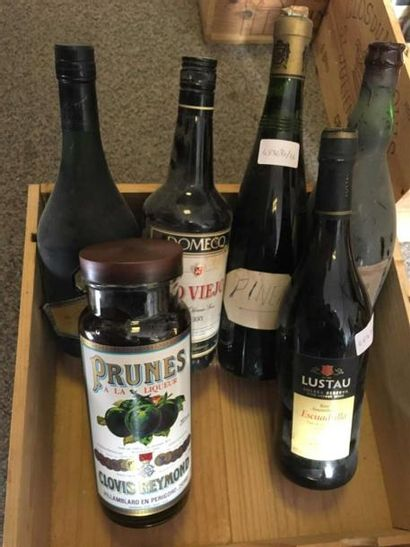 6 bouteilles: Liqueur de vieux Cognacq François...