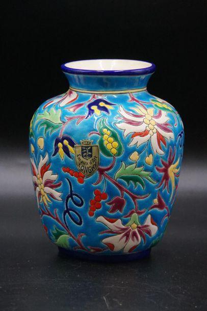 LONGWY. Vase pansu.