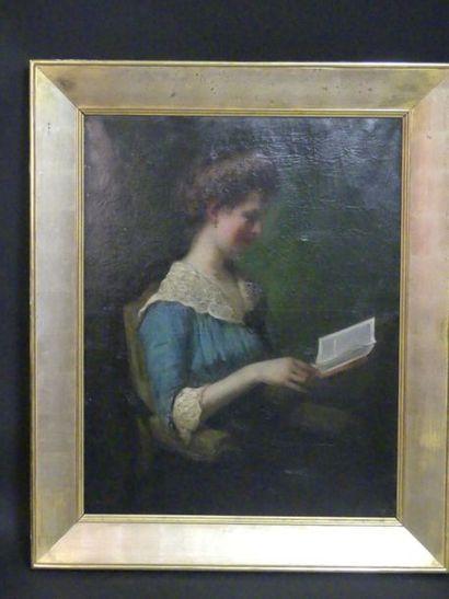 Jeune femme à sa lecture