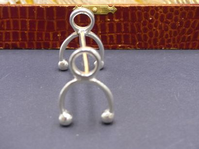 CHRISTOFLE modèle rubans croisés CHRISTOFLE modèle rubans croisés : 6 cuillères à...