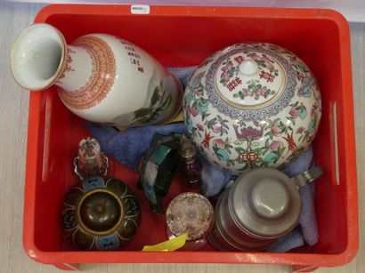 Caisse objets divers