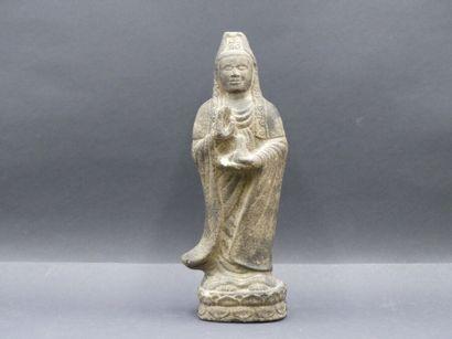 INDE. Statuette en granit sculpté. Hauteur...