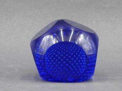 Presse papier en verre bleu