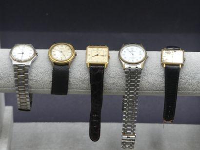 Réunion de montres. Quantieme, Blumar, Huma, Sarcar, Vedette.