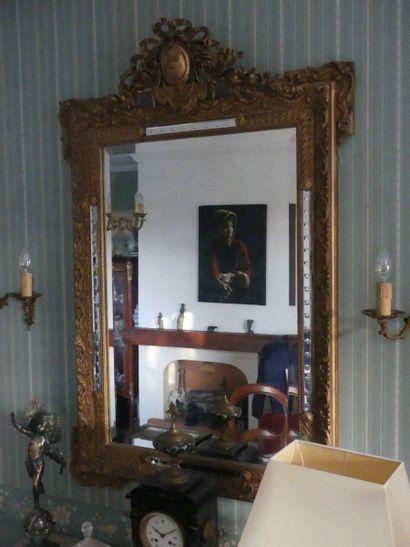 Paire de miroirs en bois