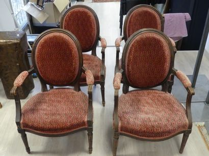 Suite de 4 fauteuils Louis XVI.