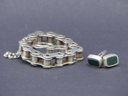 Bracelet chaine en argent. Longeur 22 cm....