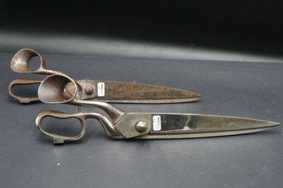 Deux ciseaux de drapier