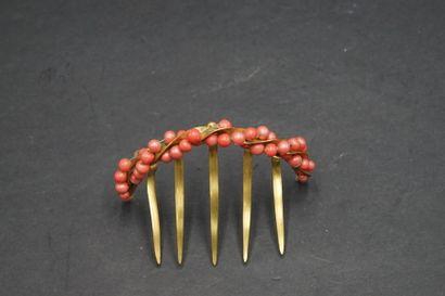 Peigne en métal doré