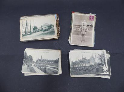 Réunion de cartes postales anciennes