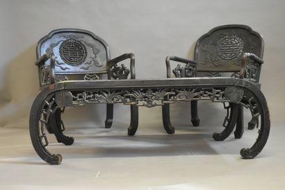 VIETNAM. Salon comprenant une table basse...