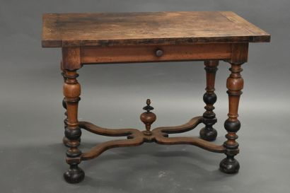 Table Louis XIII.