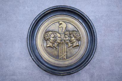 D'après DAVID d'ANGERS, MEDAILLE en bronze,...