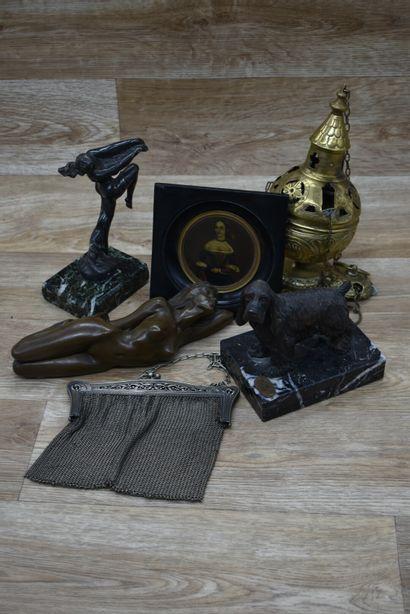 Lot d'objets en bronze dont MAX LE VERRIER,...