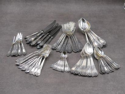 Ménagère en métal argenté chiffrée
