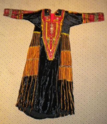 Robe, Syrie, velours noir, plastron, manches...