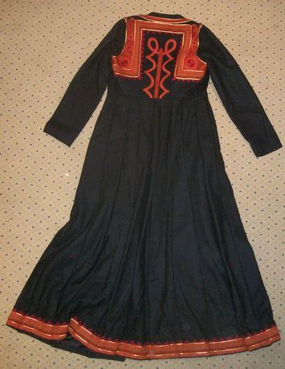 Manteau, Grèce, drap de laine noir brodé...