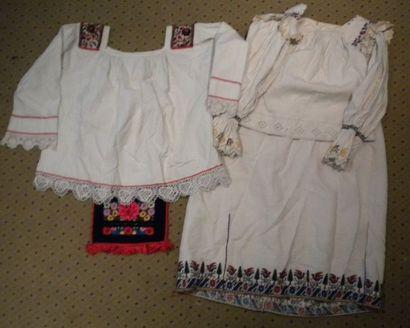 Deux chemises, jupe et un sac, Mara Muresh,...
