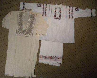 Robe, jupe et chemise, Roumanie, coton brodé...