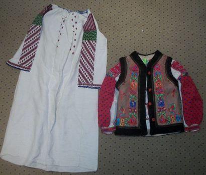 Robe, chemise et gilet, Roumanie, toile de...