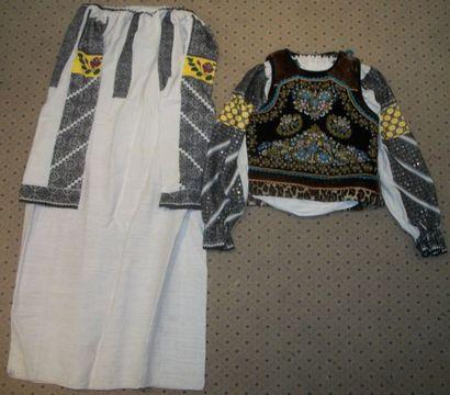 Robe, chemise et gilet, Roumanie, Mara Muresh,...