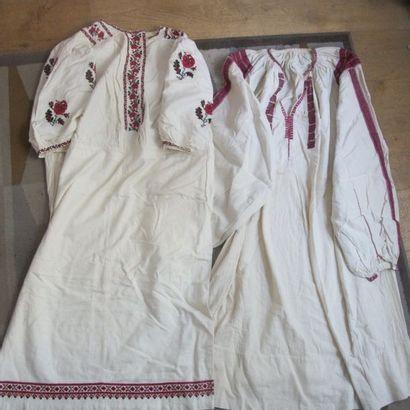 Deux robes, Europe de l'Est, Roumanie ( ?),...