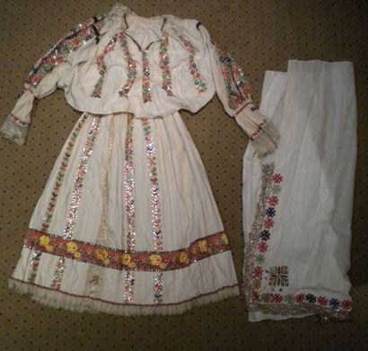 Jupe, chemise et écharpe Bamania, Hongrie,...