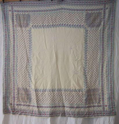 Châle carré Paisley, Angleterre, fond blanc,...