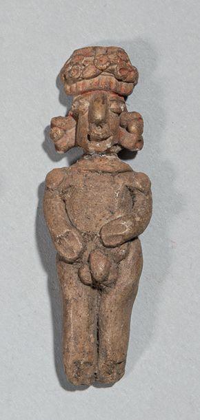Personnage debout Terre cuite brune massive Culture Tlatilco, Mexique 1200 - 800...