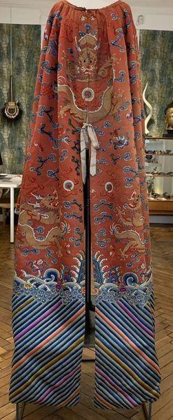 CHINE, dynastie Qing , XIXème siècle. MANTEAU...