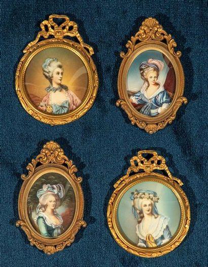 Suite de 4 miniatures rondes et ovales dans...
