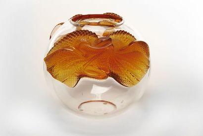 LALIQUE France  Vase boule en verre translucide...
