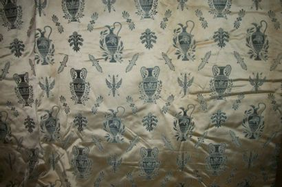 Paire de rideaux en lampas, style Directoire,...